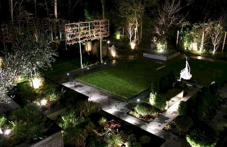 Landscaping with Solar Lights