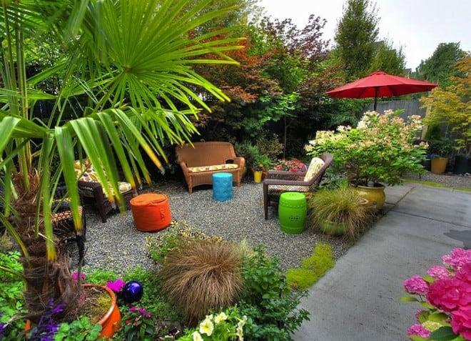 backyard landscaping ideas for a simple garden